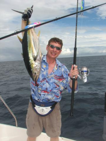 Морская рыбалка на джиг и поппер приманки